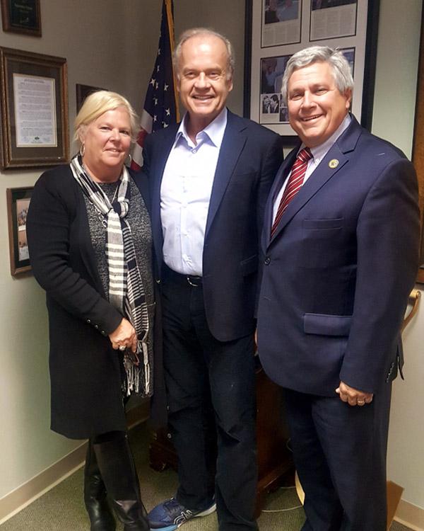 Senator Bateman hosts Kelsey Grammer and Faith American Ale